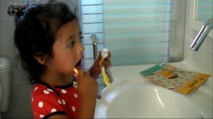 צחצוח שיניים WOWMOM